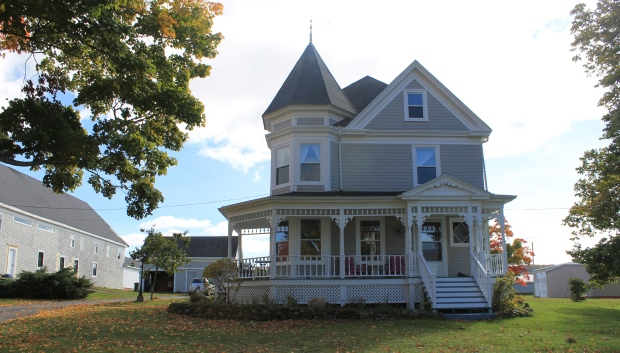 Joel-and-denyse-doherty-bought-this-annapolis-valley-home